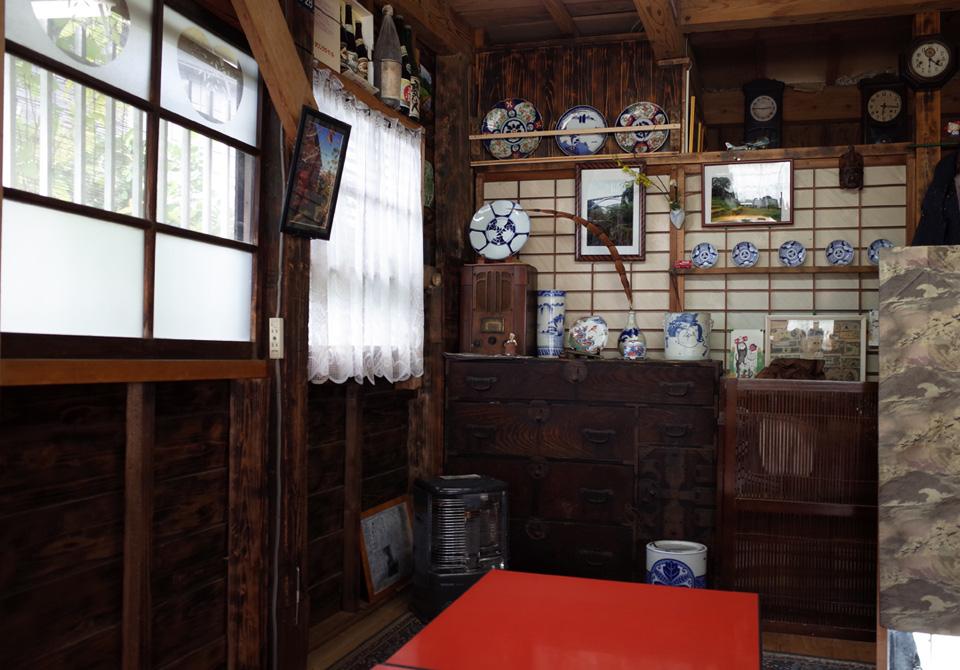 古民家カフェ「木もれび」 霧島市国分 店内 テーブル席2komorebi3