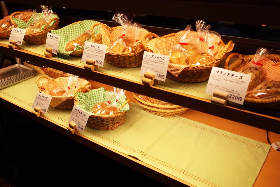 自家製酵母パン UN PAIN (ひげのみせ店内) 熊本県水俣市