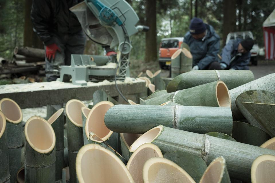 竹筒を加工「熊野神社」湧水町