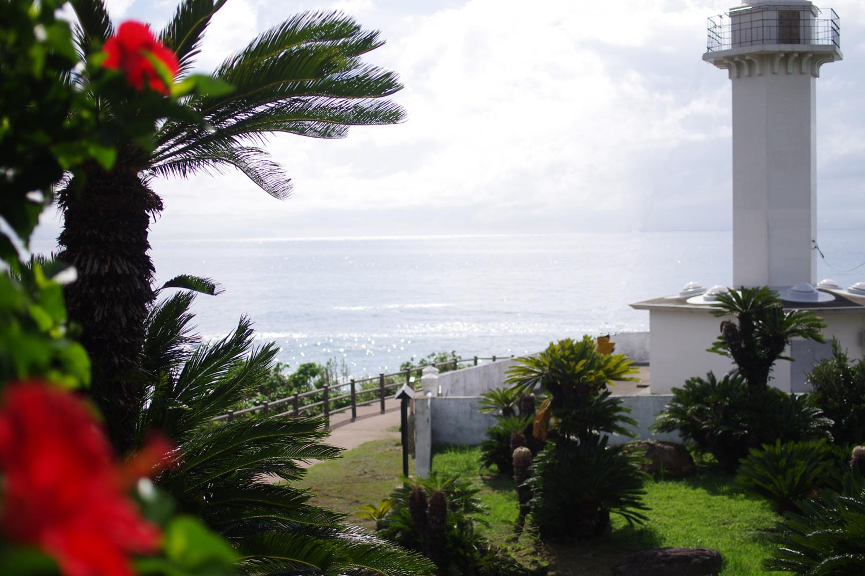 長島八景・東シナ海を望む白い灯台「長崎鼻灯台公園」 出水市長島町