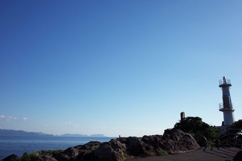 東シナ海と開聞岳を見渡す大パノラマの岬「長崎鼻」指宿市