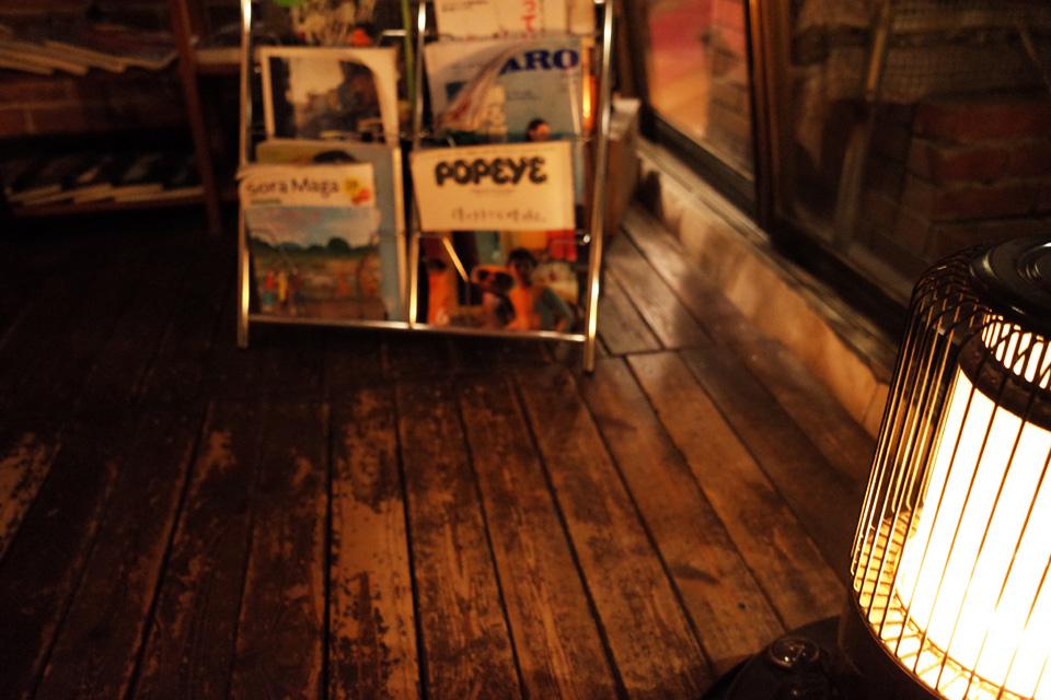 ストーブでほっこり… Alice Cafe (アリスカフェ) 霧島市隼人町