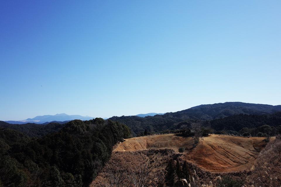 霧島連山を望む大自然に囲まれた沖田黒豚牧場