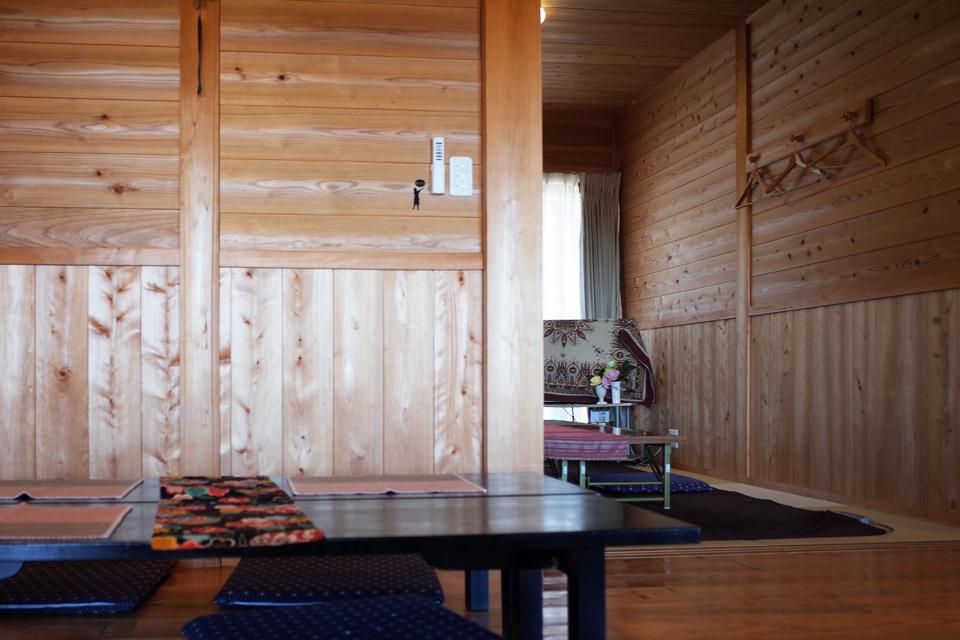 テーブル席/座敷 沖田黒豚牧場の牧場民宿レストラン「和(のどか)」