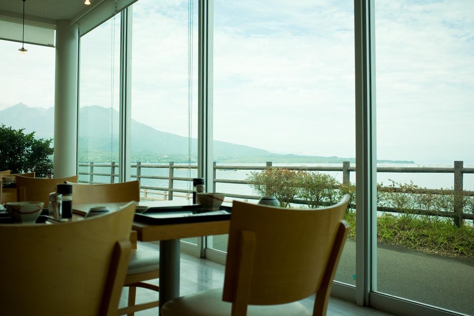 道の駅たるみず湯っ足り館内「イルカの見えるレストラン」店内 鹿児島県垂水市