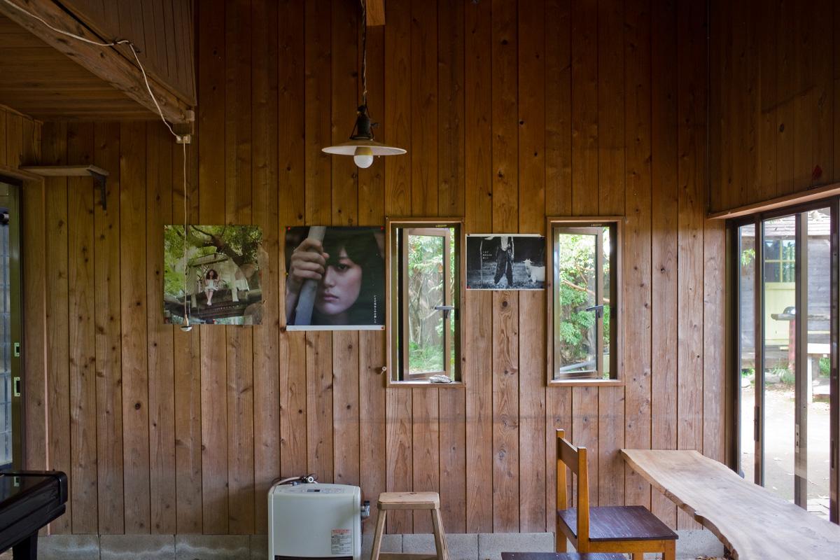 美山のカフェ「喫茶 風の丘」店内席 鹿児島県日置市