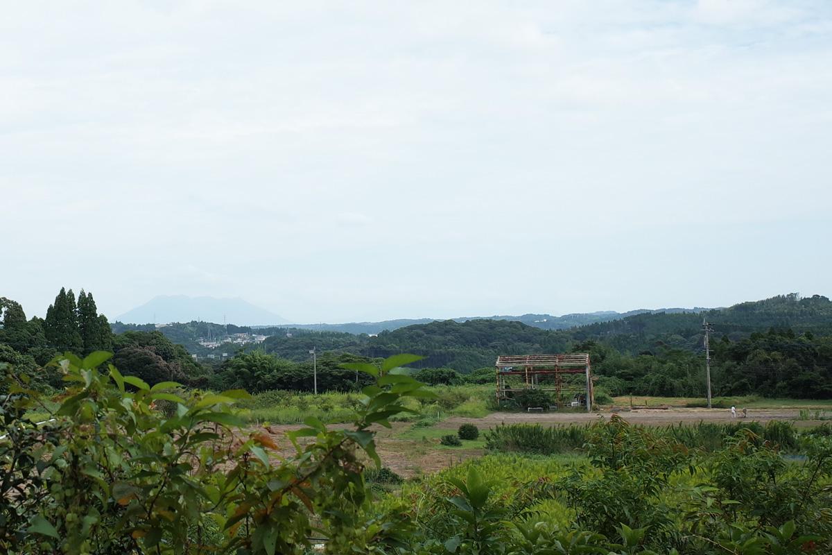 美山のカフェ「喫茶 風の丘」桜島を望む景色 鹿児島県日置市
