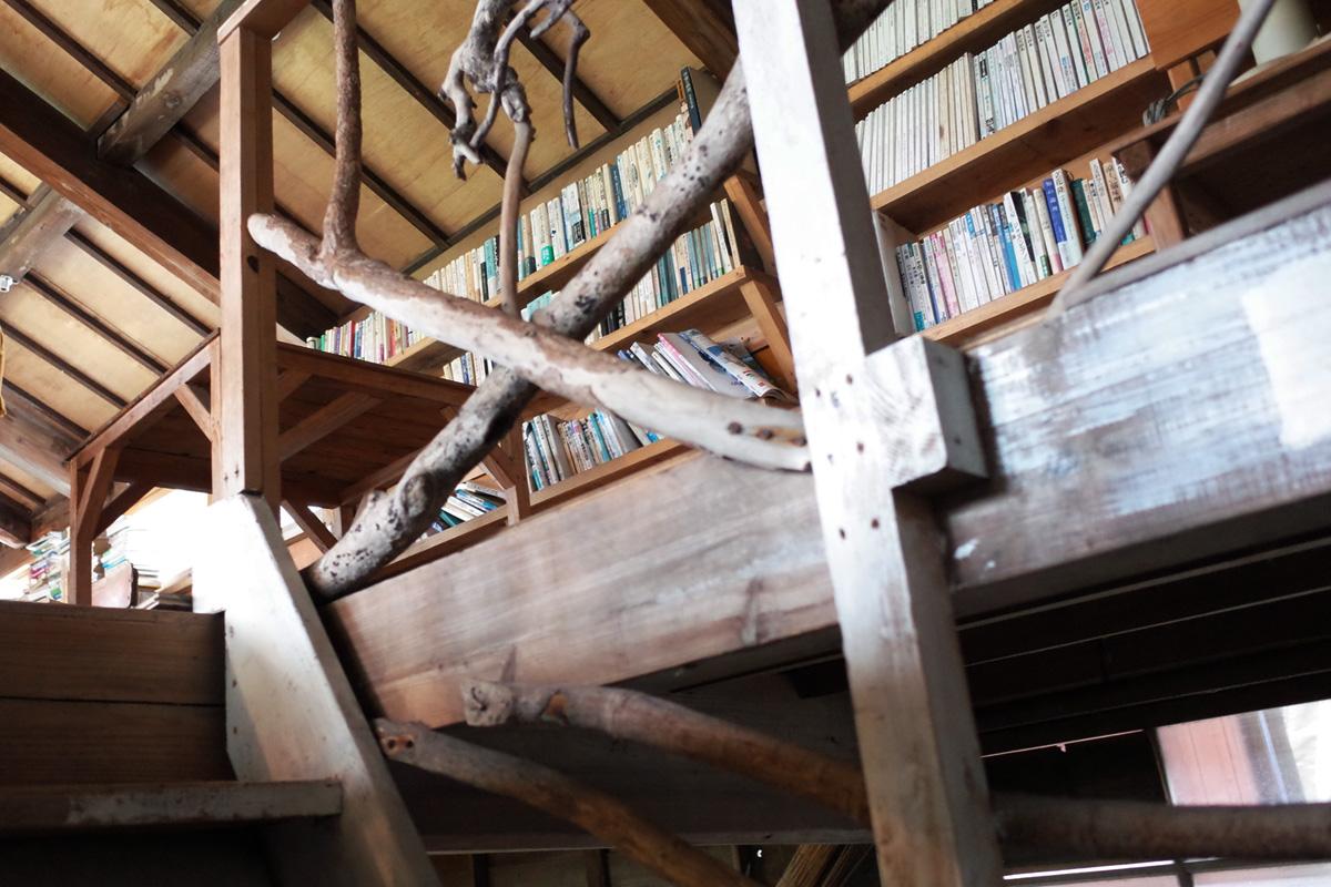 海の見える古民家カフェ 階段 red bluff cove 鹿児島県鹿屋市