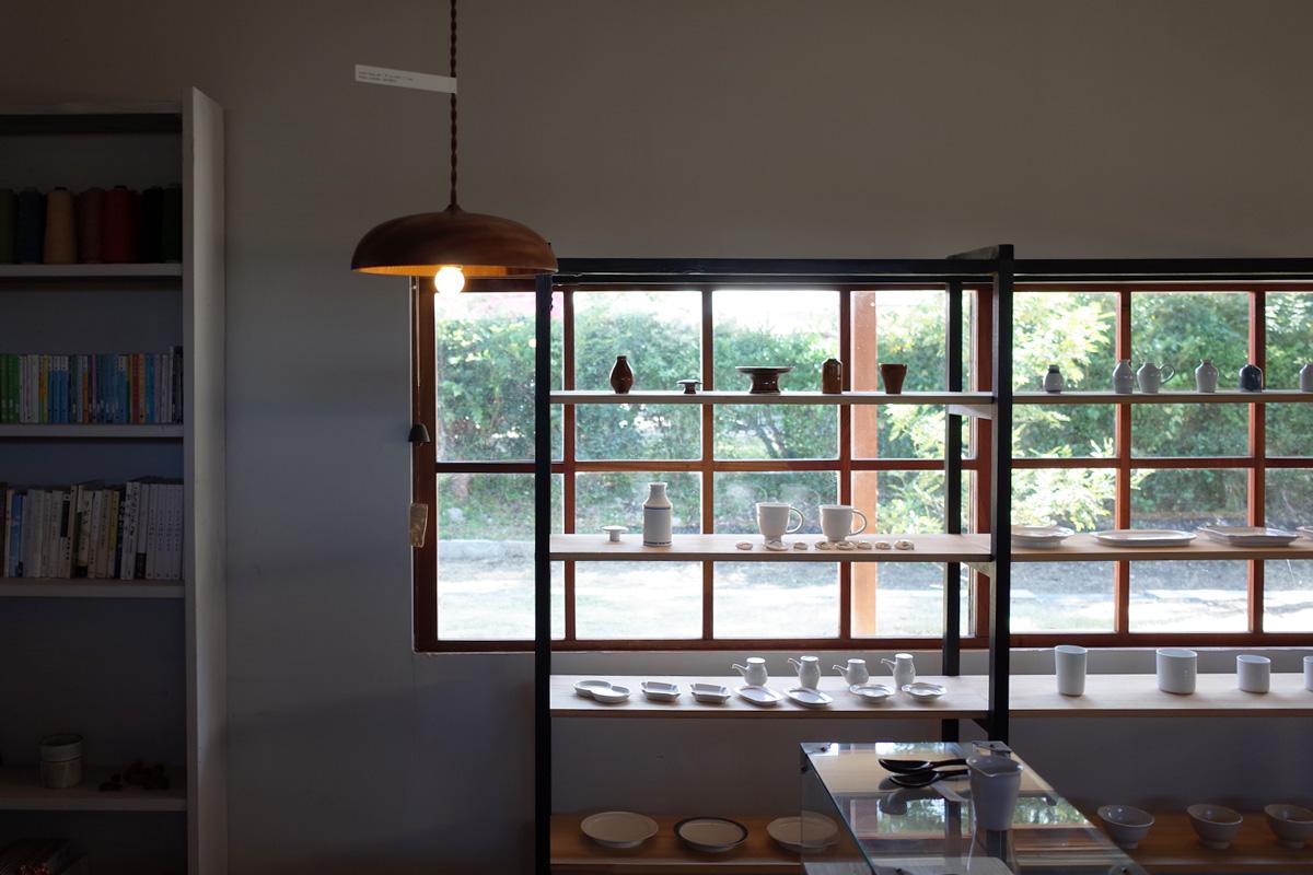 器・木道具ギャラリー店内-1「夏ノ庭」鹿児島県日置市美山