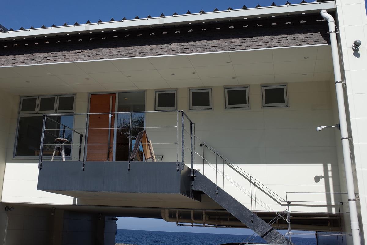 海とお店の外観-カフェ「NumBar」指宿市