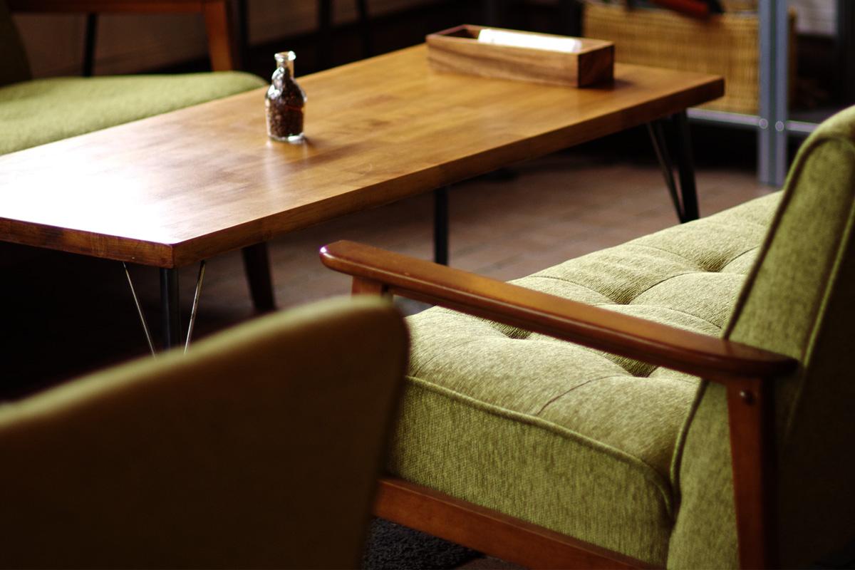 カリモクのソファーでゆっくりカフェタイム 「musumi(ムスミ)」宮崎県小林市