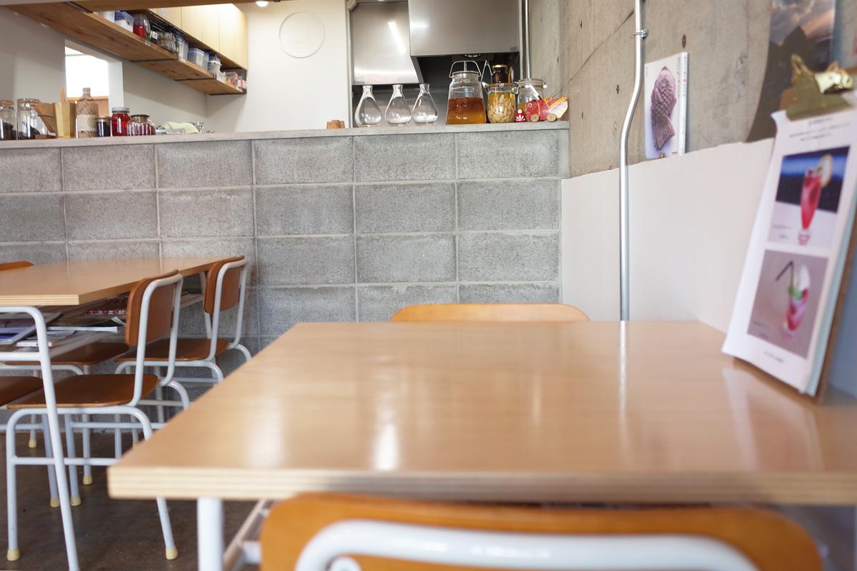 カフェ店内「イワシビル」鹿児島県阿久根市