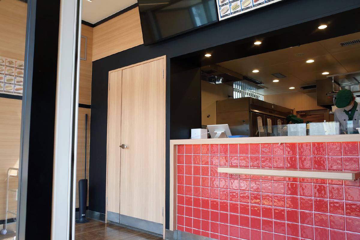 コッペパン専門店「いっぺこっぺハウス」店内 カウンター&厨房 姶良市加治木町