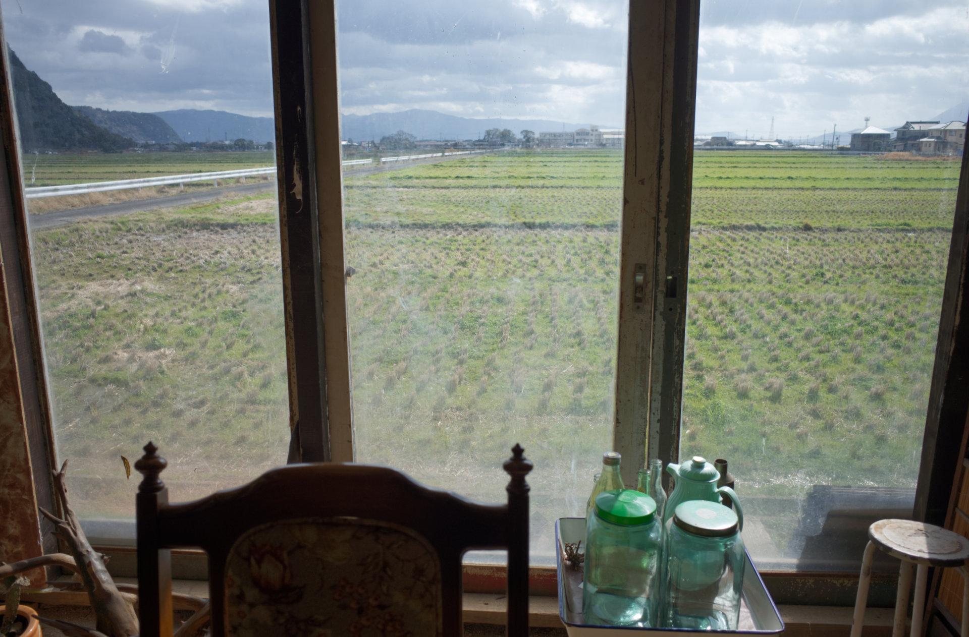 窓から見える田園風景「chichinpuipui cafe(ちちんぷいぷいカフェ)」霧島市国分上井